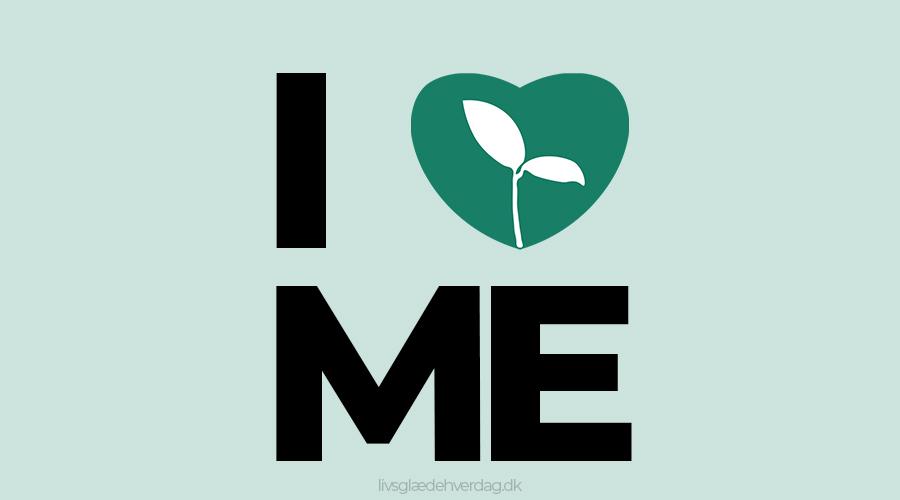 Grøn baggrund med teksten I ♥ ME